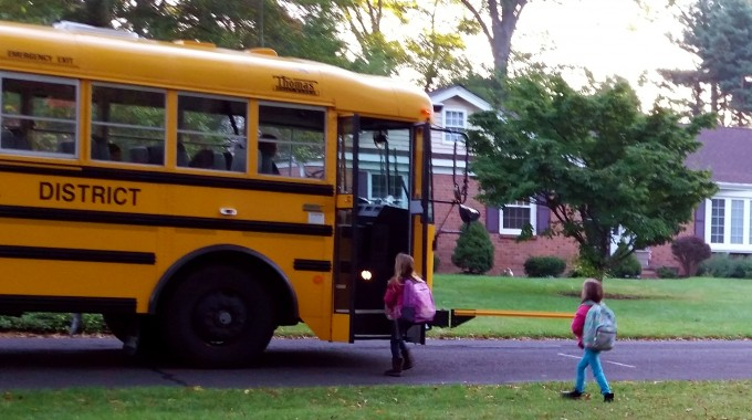 4 Tips To Make Your Morning Easier (and Make That Bus!)